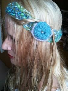Headband vert chiné fleur bleue