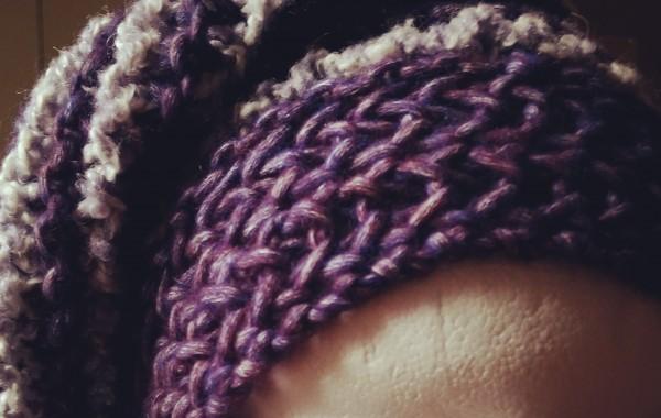 Bonnet violet et gris